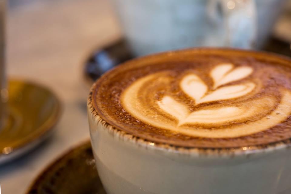 Onde tomar um café em Londres sem gastarnada