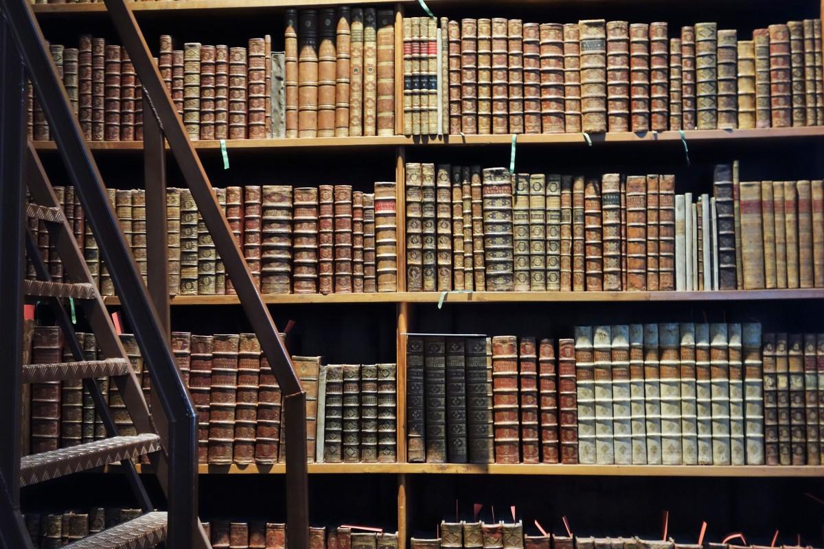 Loucos por livros: Onde ir, explorar e perder-se emLondres
