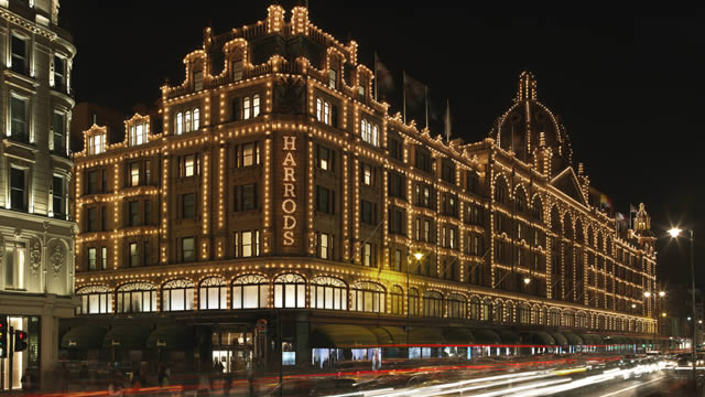 93610-640x360-harrodsatnight-640