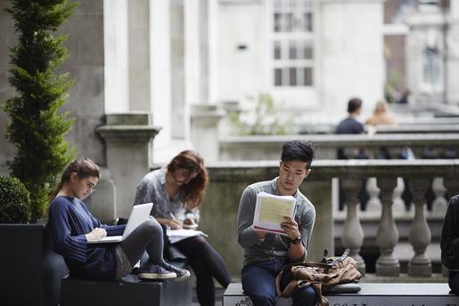 students-at-kcl-strand-campus